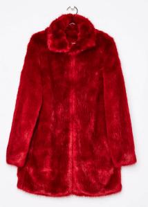 manteau en fausse fourrure rouge bershka
