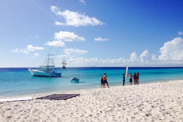 Charter & Crew on Klein Curacao