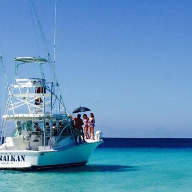 Shooting on boat at the shore of Klein Curacao