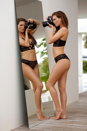 hunkemoller influencer lingerie swimwear chicas productions curacao 03