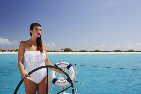 Sailboat with Klein Curacao as backdrop