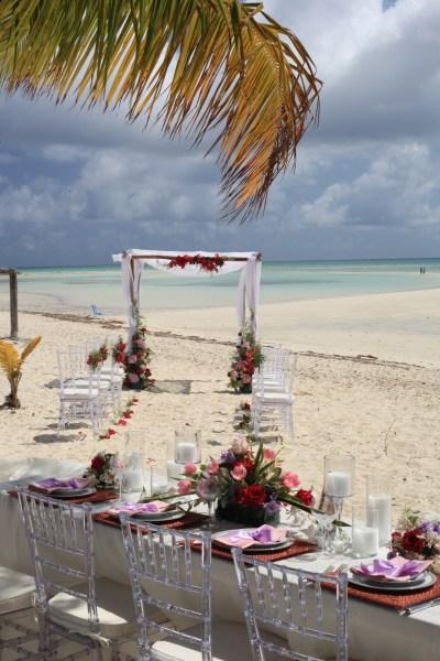 Beach Chic Bahamas Wedding Venues: Banana Bay, Grand ...