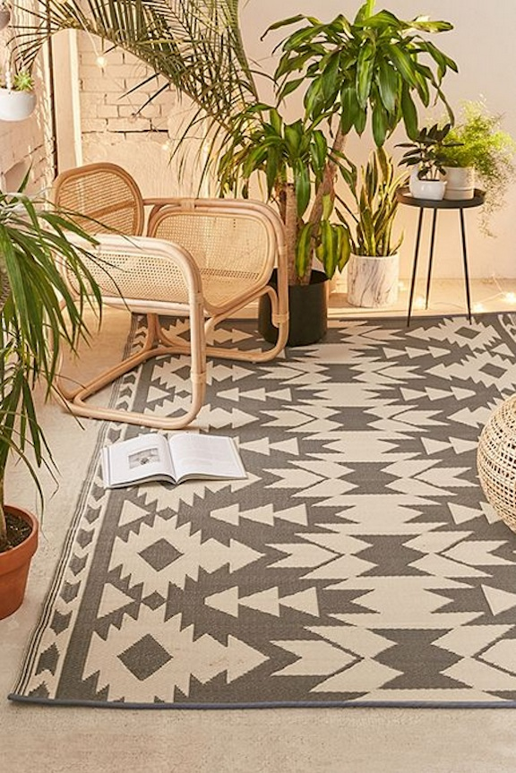 20 Of The Best Outdoor Rugs Chic Enough To Bring Indoors Chic Fab Love