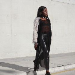 how-to-wear-a-transparent-dress