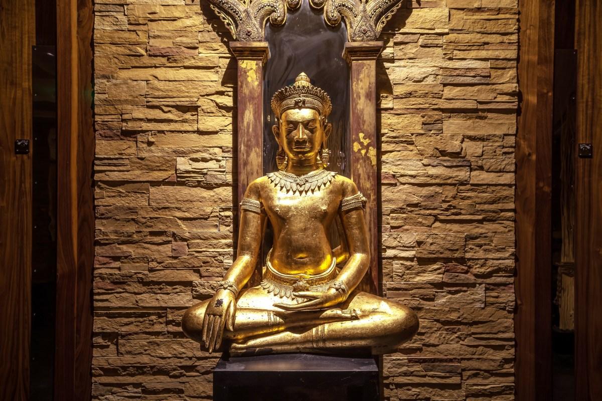 Thai Sq Spa Buddha