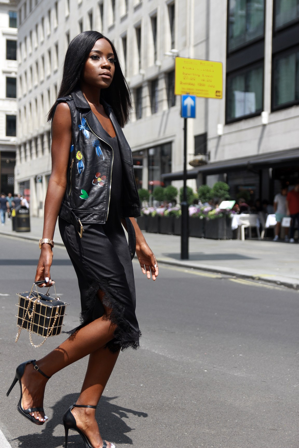 All black summer city outfit featuring a sleeveless jacket by Silvian Heach.