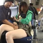 ミニスカお姉さんを隠し撮りしながら尾行して電車に乗ったら痴漢されてチ○ポ咥えとったwww
