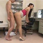 西野翔 診察に来た患者さんにバック状態で自ら腰を振り騎乗位状態で自ら腰を振る美人だけどド痴女な女医