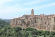 Stop in Sorano - the city of vulcanic tufa