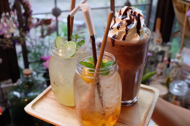 b-story-cafe-bangkok-drinks