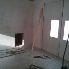 Die Wände wurden verschlossen und mit Kalkfarbe bemalt