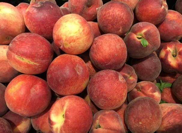 peaches on what can I feed my chickens to keep them healthy