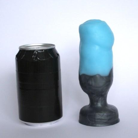 Penis Plug: Usable length: 13 cm, max. usable circumference: 16.5 cm.