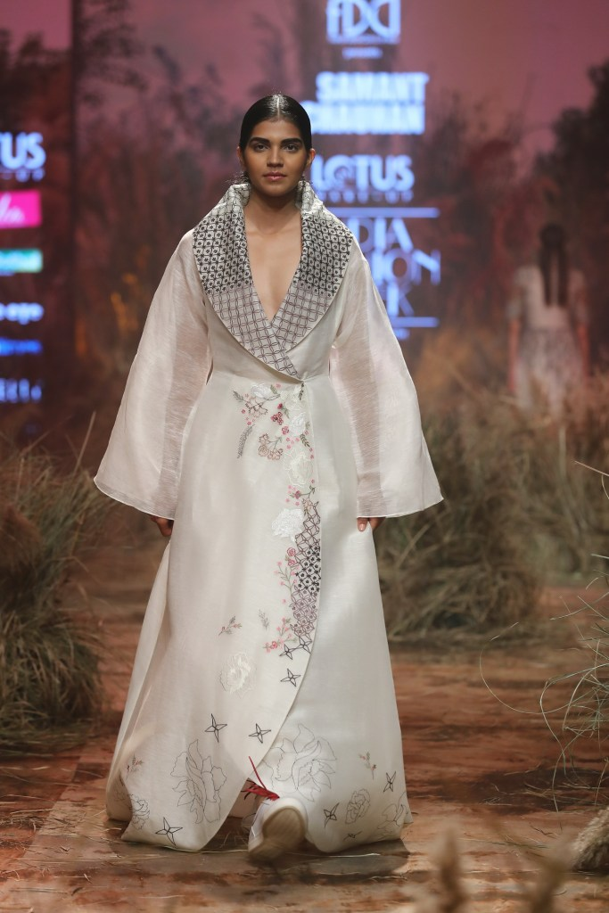Collection by Samant Chauhan @ FDCI LMIFW AW 19 (9)