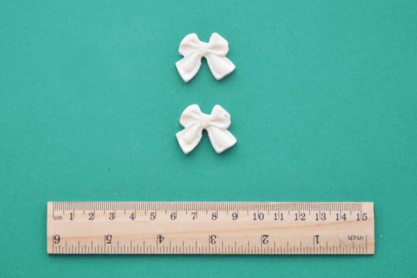 Small Chunky Bow x 2 Resin Moulding