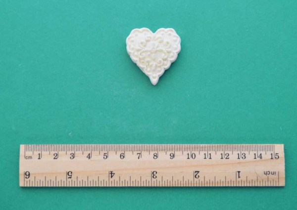 Small Scroll Heart Moulding