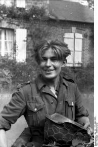 Frankreich, junger Soldat