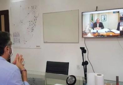 """Médicos  cubanos poderão trabalhar no """"Programa Mais médicos, afirma Pazuello"""
