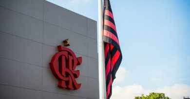 Flamengo visita São Paulo em busca de título do Brasileiro