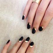 chic & minimalistic nail design