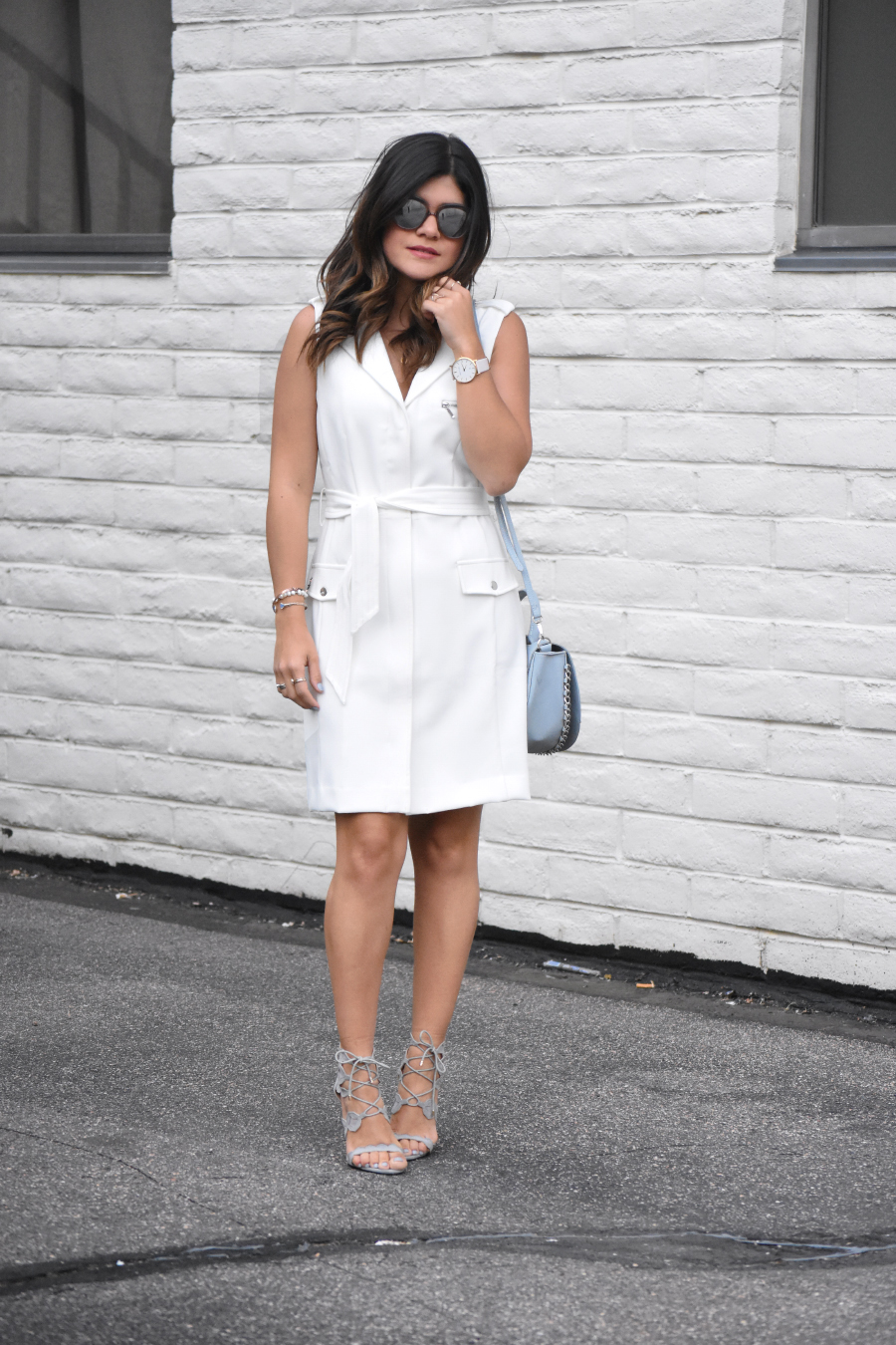 LOOK OF THE DAY. WHITE SHIFT DRESS VIA BAR III