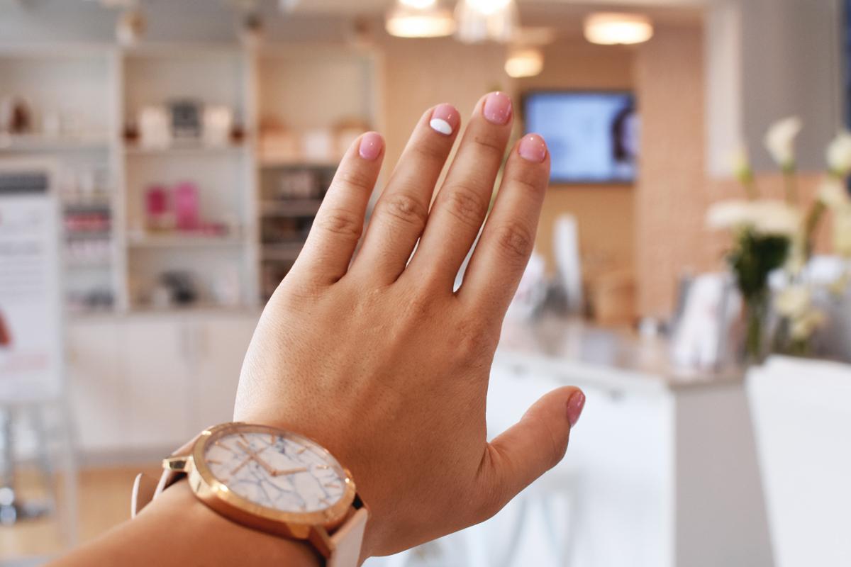 Glosshouz nail art