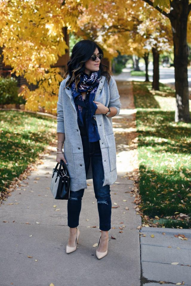 Carolina Hellal of Chic Talk wearing a Evy's tree grey jacket, Old Navy jeans, Sam Edelman nude pumps, Rayban rounded sunglasses and H&M printed scarf