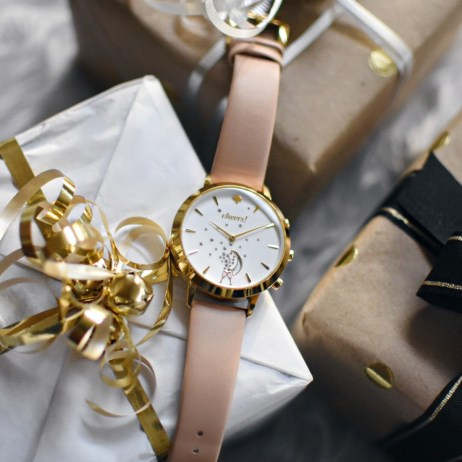 10 REASONS WHY GIFTING A HYBRID SMART WATCH IS A GOOD IDEA