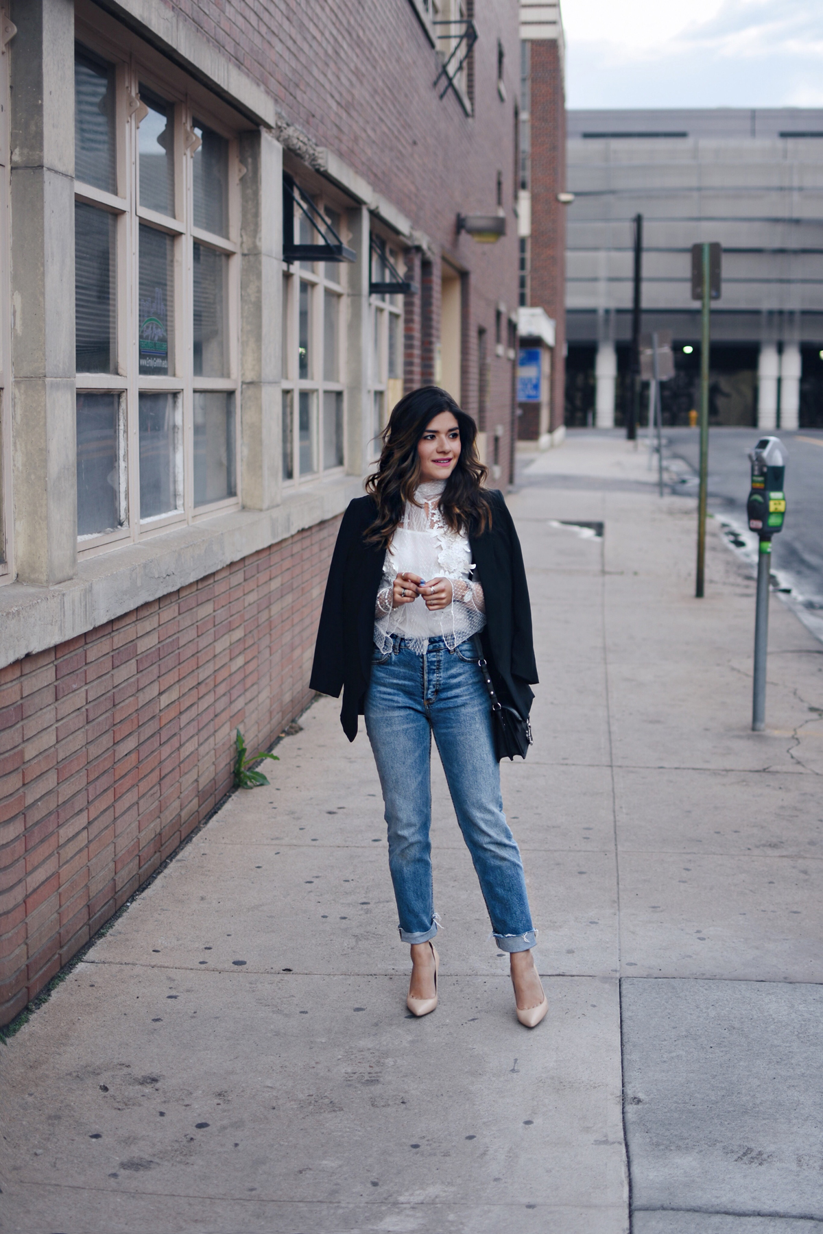 Carolina Hellal of Chic Talk wearing a white tulle chicwish top, rag&bone jeans and Sam Edelman nude pumps