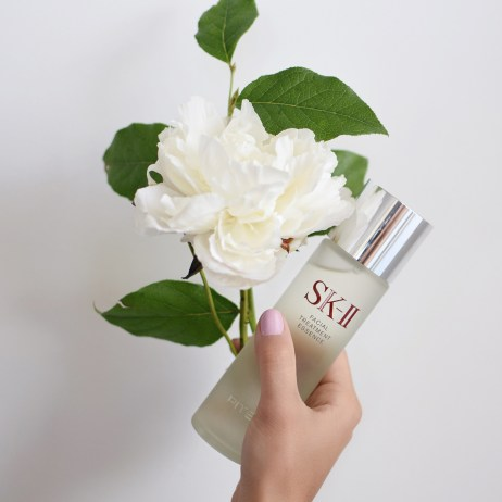 TIPS FOR GLOWING SKIN WITH SK-II