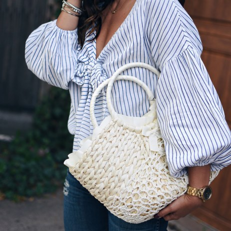 STYLING A BEACH BAG IN THE CITY
