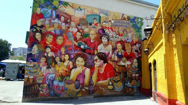 Mural a la entrada de La Piojera
