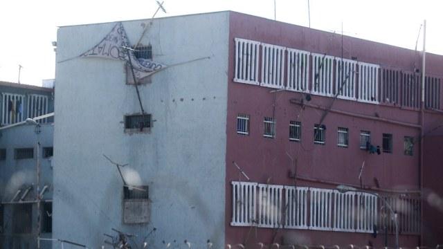 Gendarmería trasladó a 128 internos desde el penal Colina I tras incidentes
