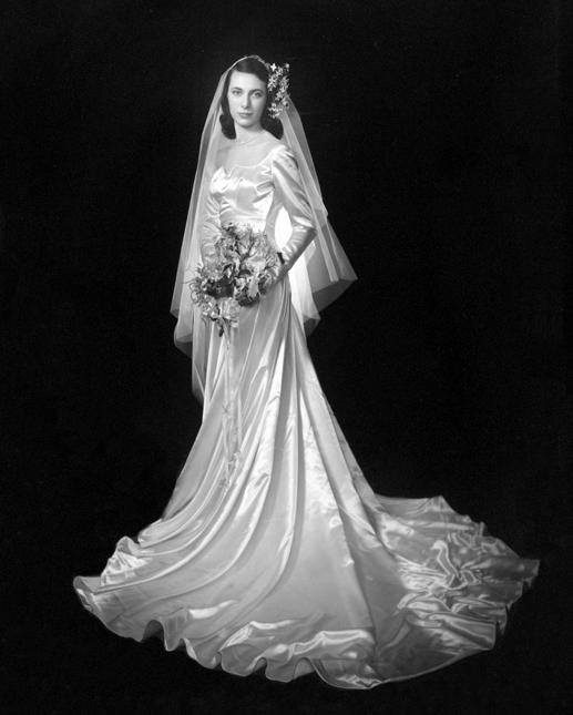 Chic Vintage 1940s Bride Carolyn Dubrin Chic Vintage