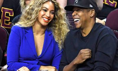 Gossip Of Beyonce Expecting Twins Escalates As Jay Z Skips Award, Solange Spotted At Hospital