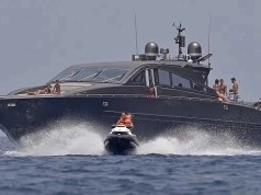 Armed customs officers search Ronaldo's luxury yacht