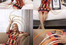 Lady Spends 23 Years Growing The World's Longest Fingernails.