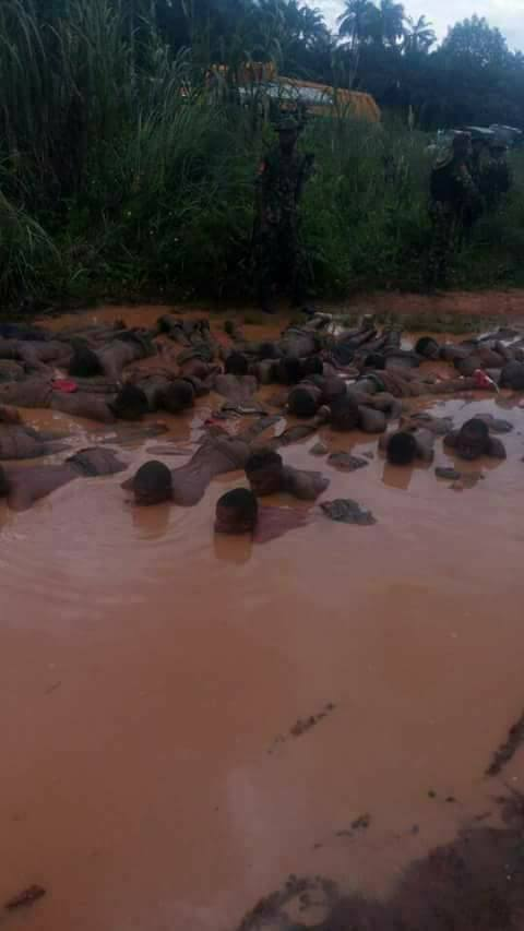 Biafra: Soldiers Force Innocent people to drink poisonous water in Aba