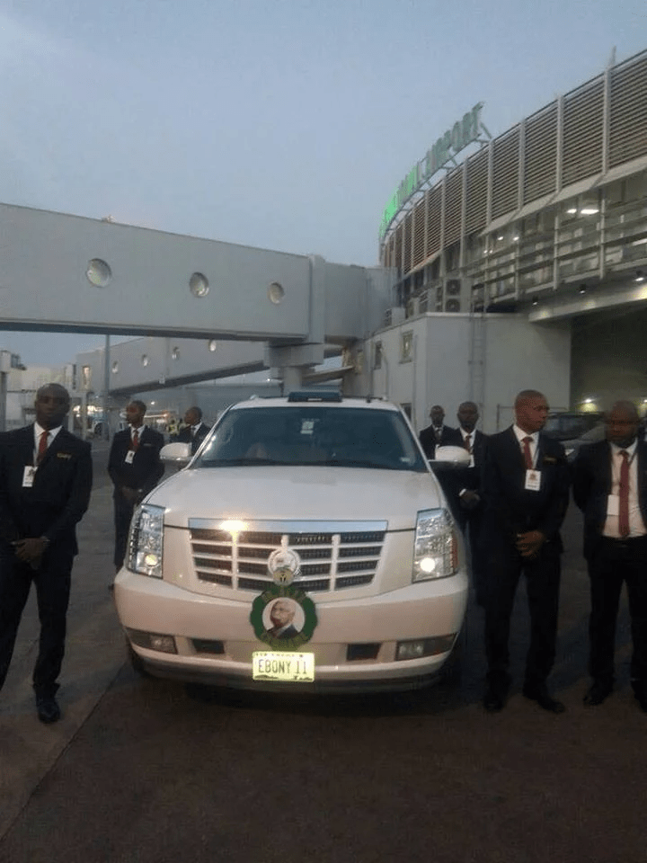 Body of former vice president Alex Ekwueme arrives Nigeria - See Photo