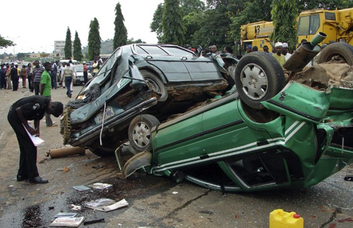 So sad! Bus conductor killed in auto crash on Lagos-Ibadan expressway