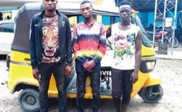 Lagos police command arrests three pickpockets while trying to rob a policeman