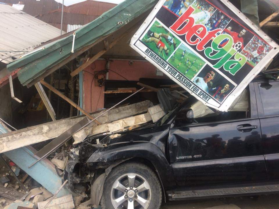 Yenagoa community escape black Sunday as vehicle ram into bet9ja shop
