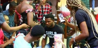 BBNaija 2019 contestant proposes to his girlfriend at the Lagos audition venue (Photos)