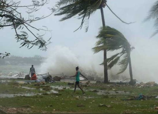 Over 100 people dead, 200 missing as cyclone hits Mozambique and Zimbabwe