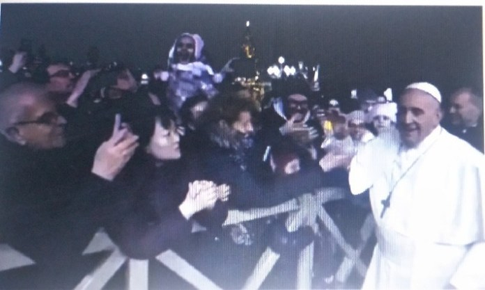 New Year 2020: Pope Francis reacts as lady grabs his hand and yanks him (Video)