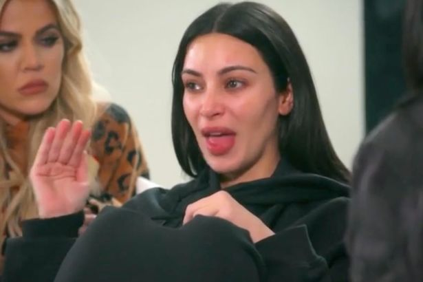 Kim-Kardashian-breaks-down-in-tears-over-Kanyes-meltdown-after-he-leaves-stage-after-three-songs (1)