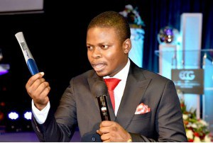 Pastor introduces miracle pregnancy test that can reveal name of baby father