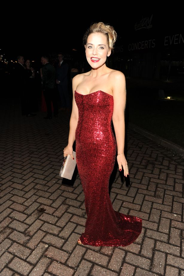 Stephanie-Waring-at-Denise-Welch-New-York-themed-Charity-Ball-Manchester-UK-19-Nov-2016