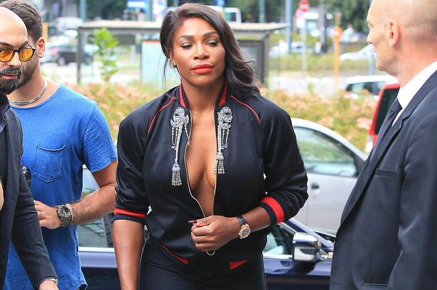 Serena-Williams braless