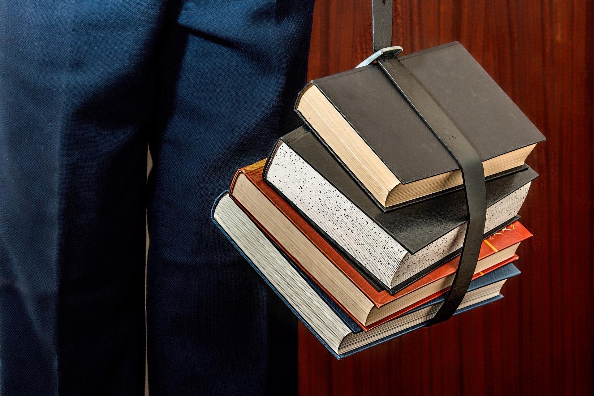 books-1012088_1920 (1)